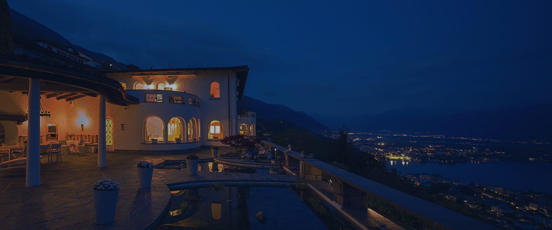 Luxury-Home-at-Night-8
