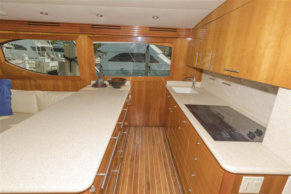 Tom-George-Yacht-Group-54′-HATTERAS-Juel-Marie-04-03232017