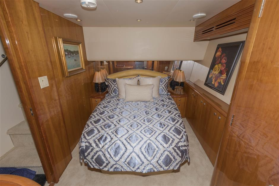 Tom-George-Yacht-Group-54′-HATTERAS-Juel-Marie-05-03232017
