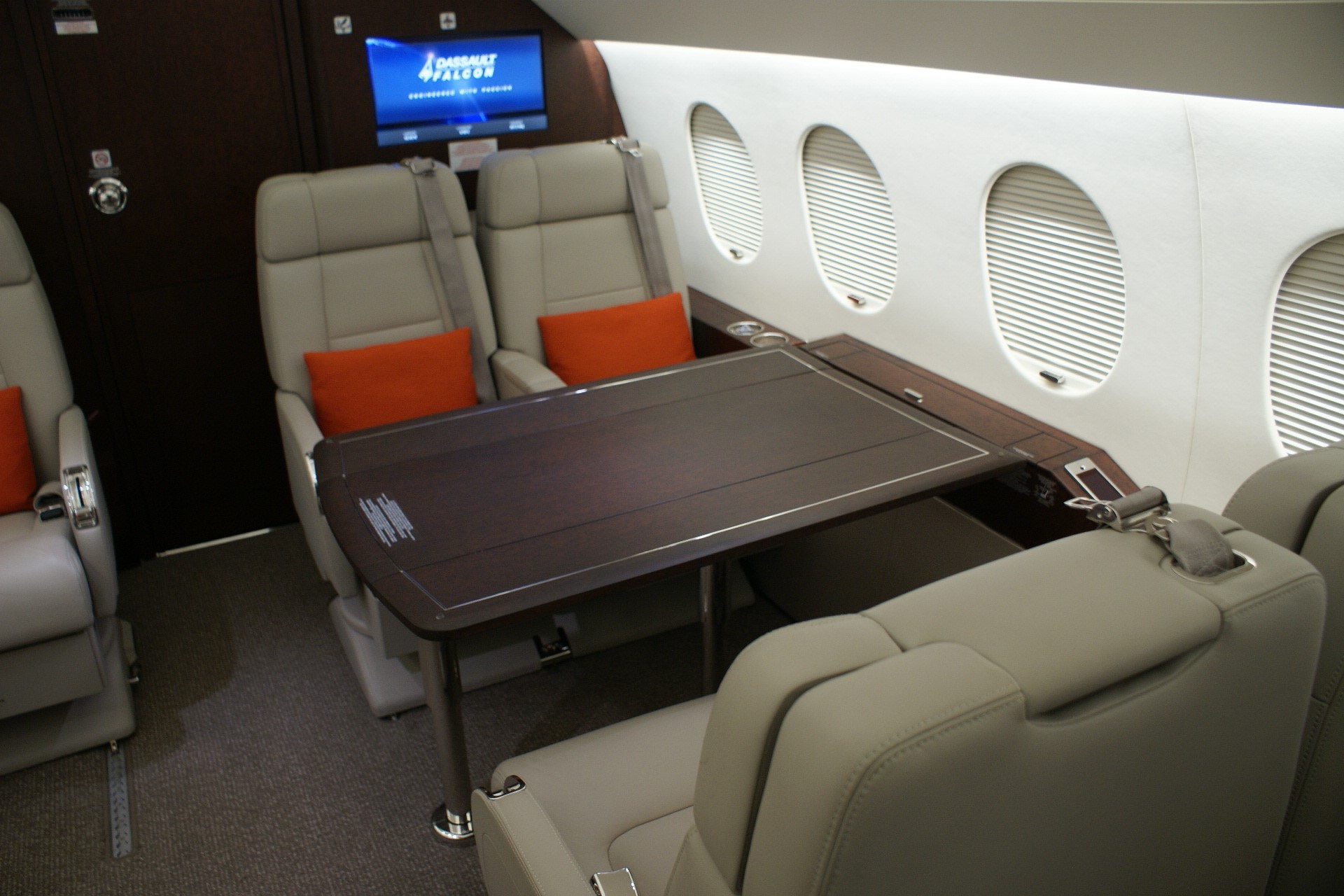 USAircraftSale-2013-Dassault-Falcon-2000LXS-10-263-03172017