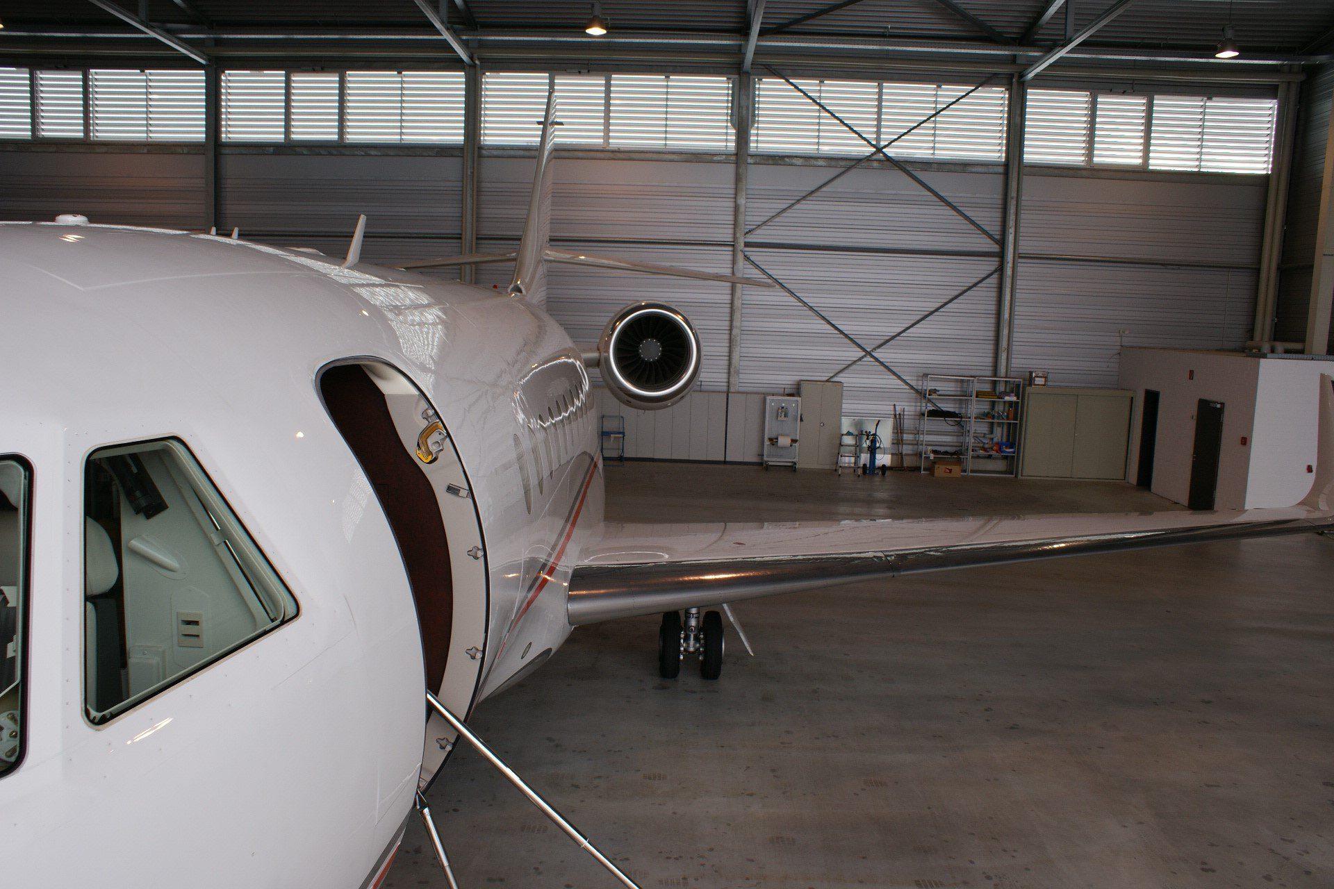 USAircraftSale-2013-Dassault-Falcon-2000LXS-3-263-03172017