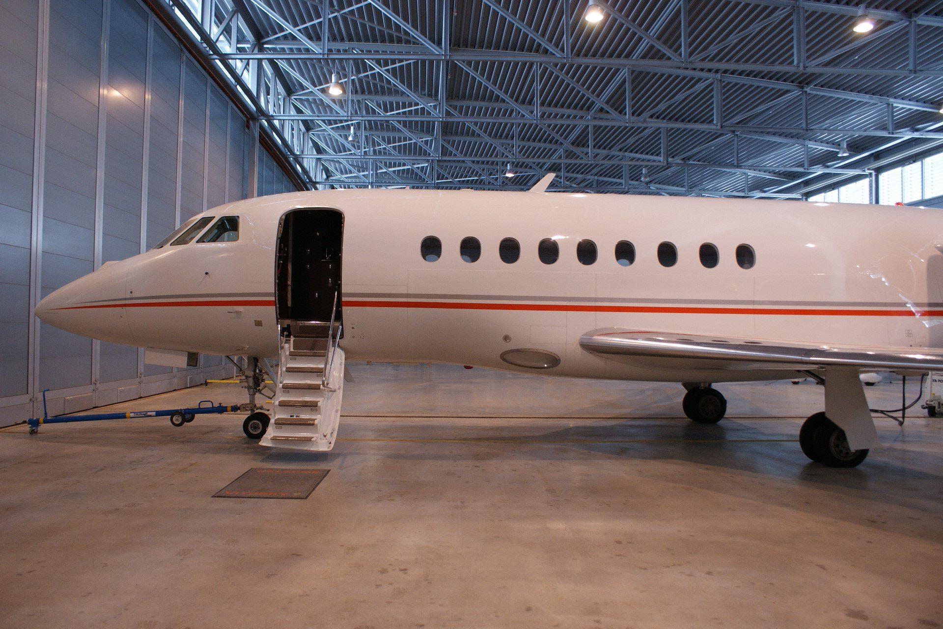 USAircraftSale-2013-Dassault-Falcon-2000LXS-5-263-03172017