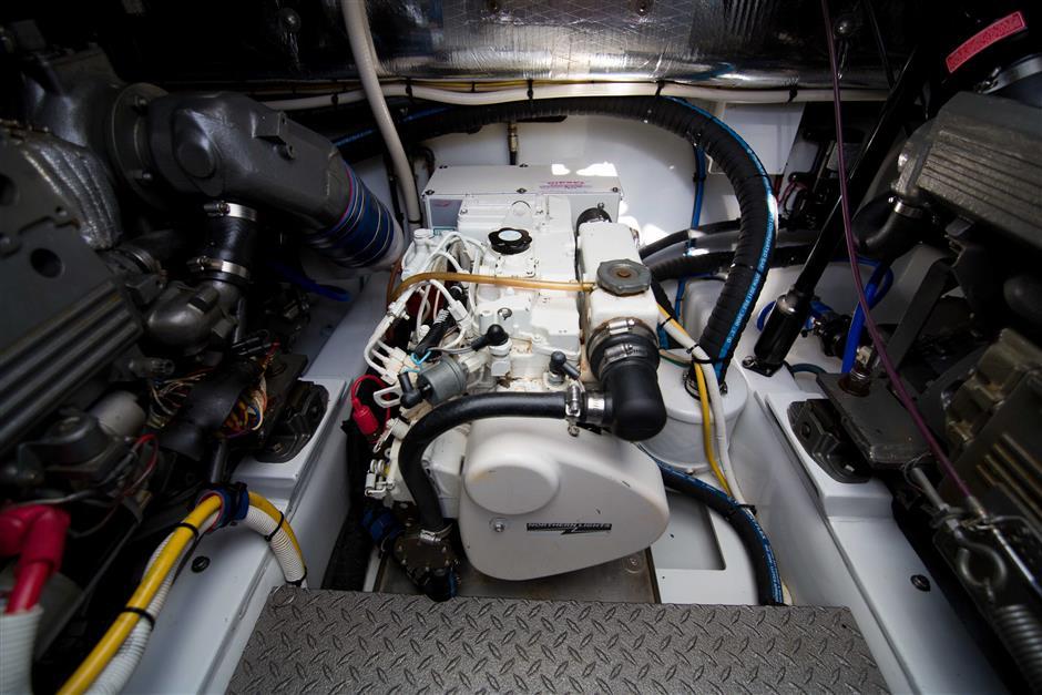 MACGREGOR-L&H-MARSAL-III-33-Engine3