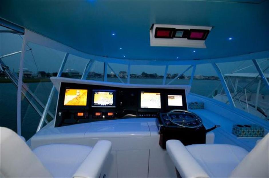 MACGREGOR-SCARBOROUGH-EYEROLLER-74-Cockpit2