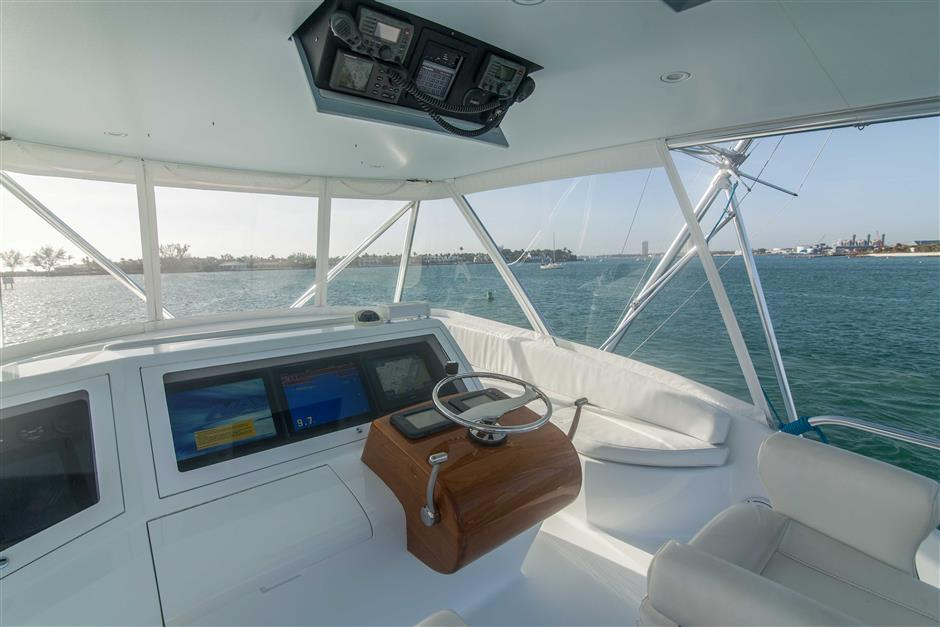 MACGREGOR-SPENCER-YACHTS-TEXAS-TEA-62-Cockpit2