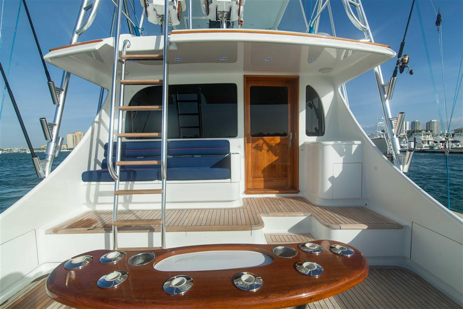 MACGREGOR-SPENCER-YACHTS-TEXAS-TEA-62-Deck1