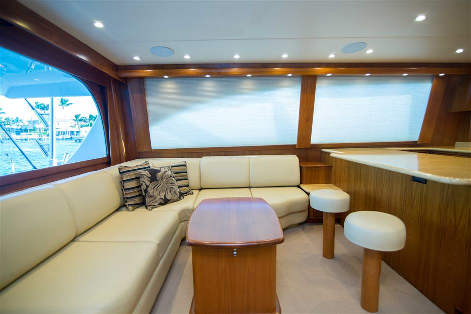 MACGREGOR-SPENCER-YACHTS-TEXAS-TEA-62-Interior3