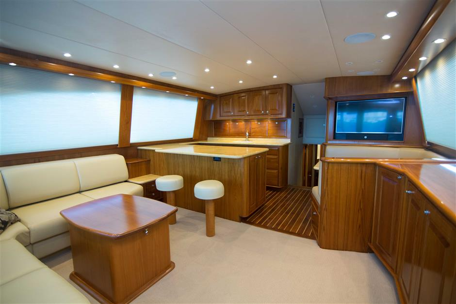 MACGREGOR-SPENCER-YACHTS-TEXAS-TEA-62-Interior4