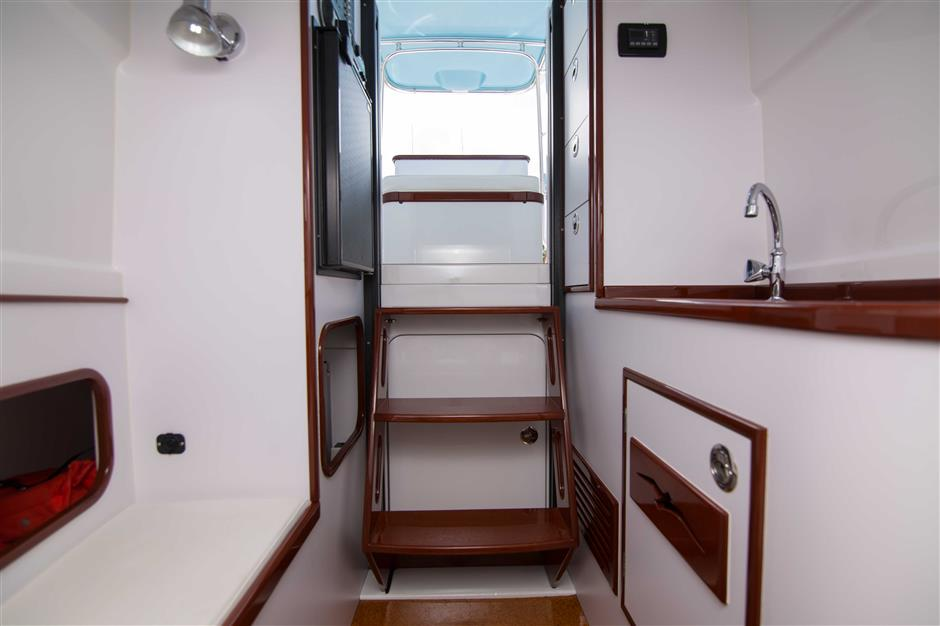 MACGREGOR-WHITICAR-WHITS-END-30-Interior2