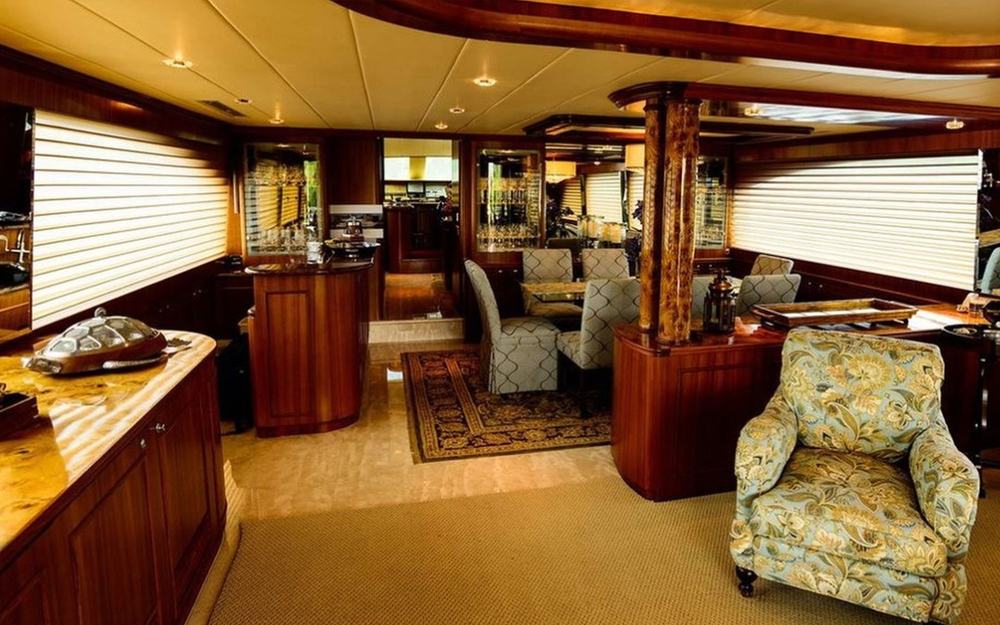 UYS-2005-2015-HORIZON-KENTUCKY-BELLE-99-Interior9