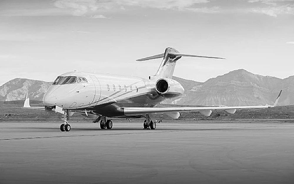 AEROJET-2004-BOMBARDIER-CHALLENGER-300-SN-20017-Exterior