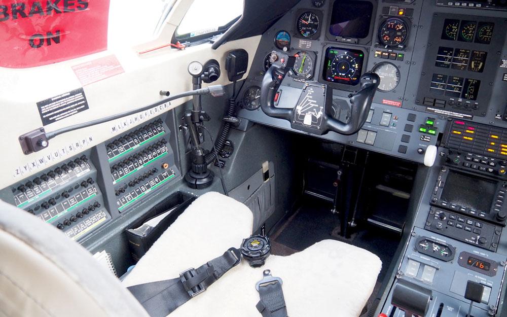 88K-2003-PILATUS-PC12-45-SN-522-Cockpit2