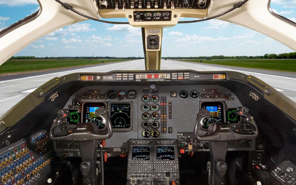DUMONT-2008-HAWKER-400XP-SN-RK-544-Cockpit