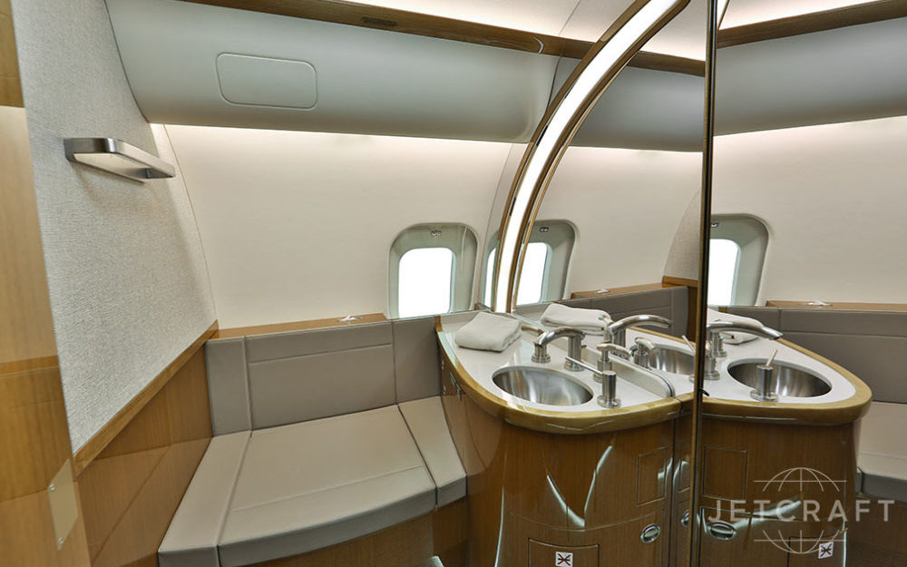 JETCRAFT-2012-BOMBARDIER-GLOBAL-5000-VISION-SN-9449-Interior2