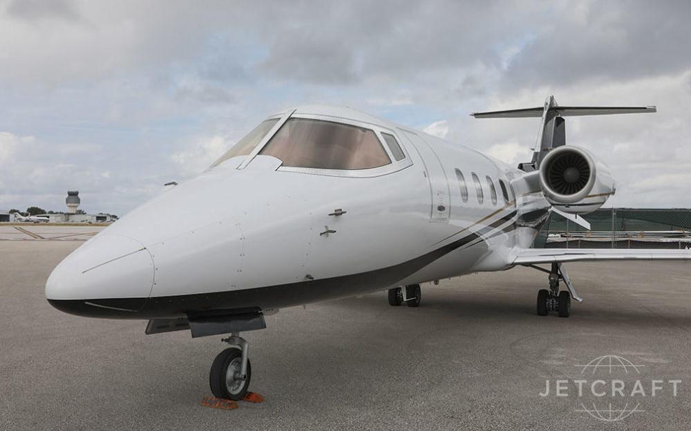 2004_Bombardier_Learjet_60_