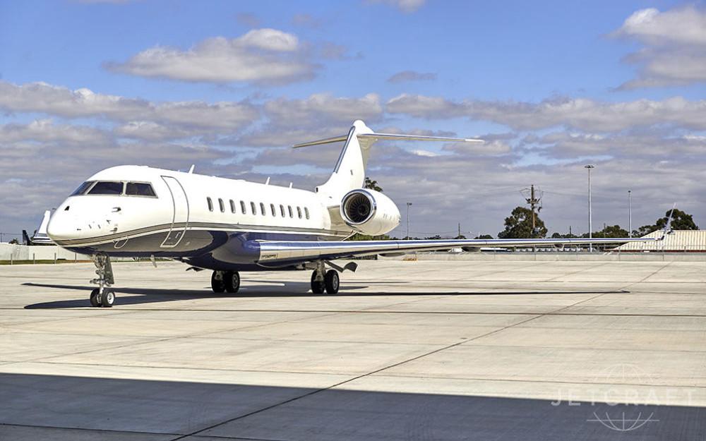 2013_Bombardier_Global_5000