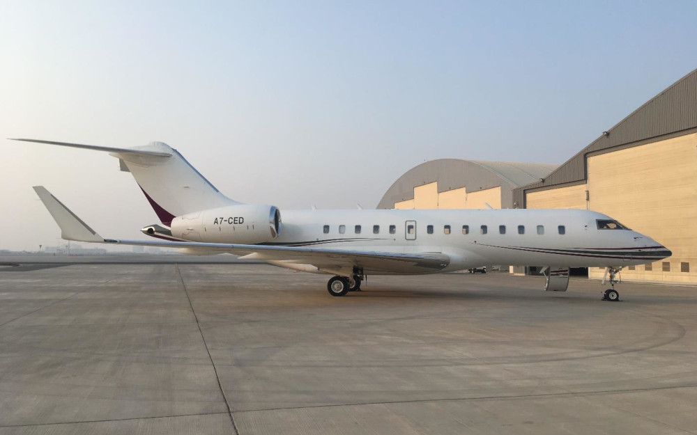 Quatar-Executive-2009-Bombardier-Global-5000-9370-exterior