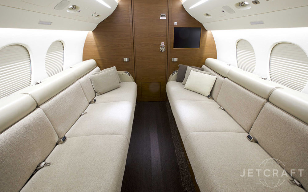 2011_Dassault_Falcon_7X