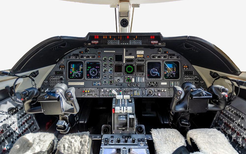 2004-Bombardier-Learjet-60-sn-272-1