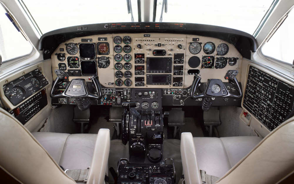 2004-beechcraft-king-air-sn-c90b