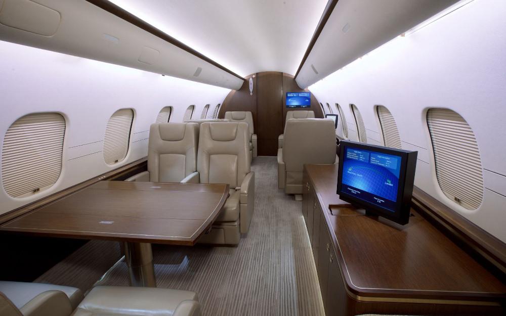 20011-bombardier-global-5000-s-n-9392-3