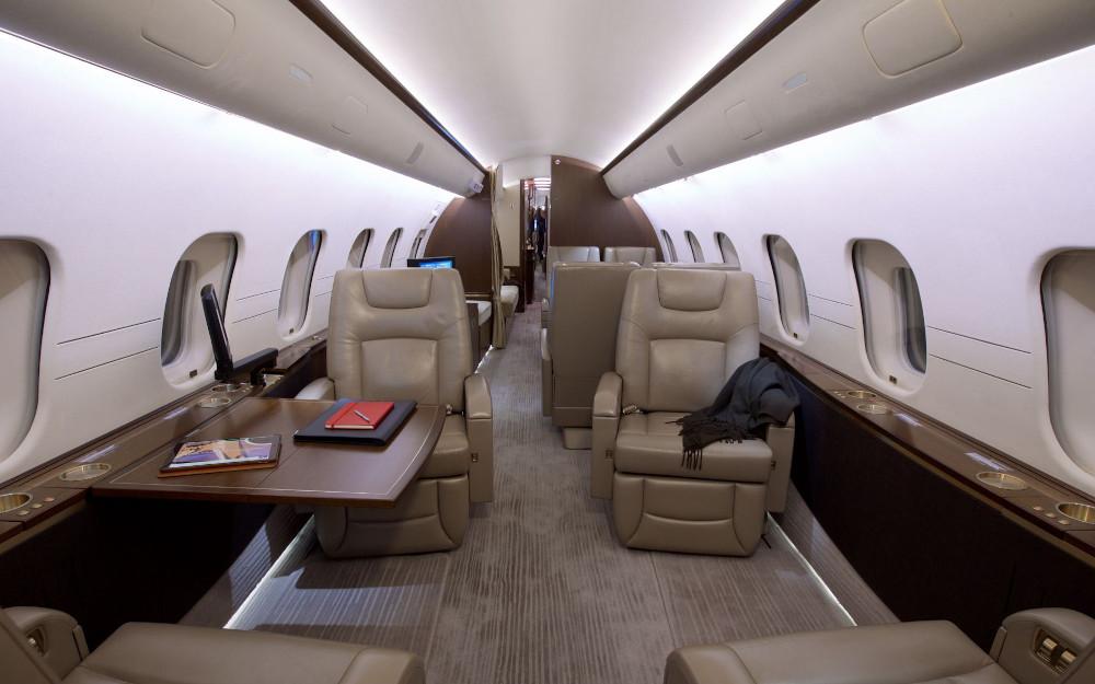 20011-bombardier-global-5000-s-n-9392-5