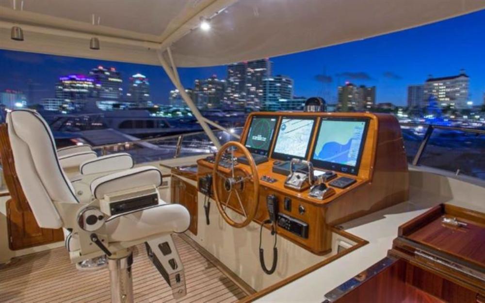 2022-ocean-76-flybridge