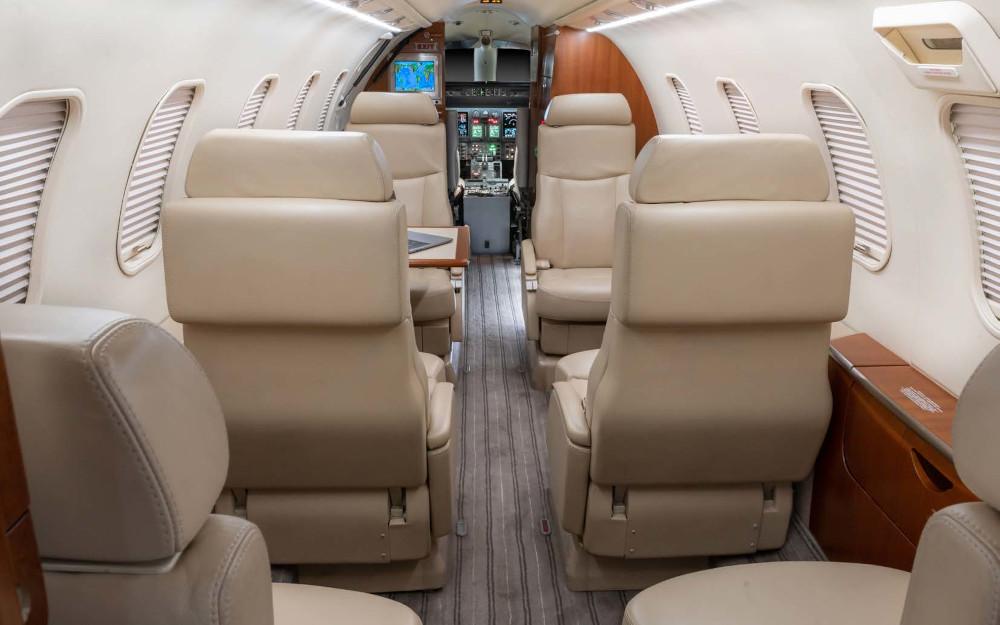 2006-bombardier-learjet-40xr-45-2047